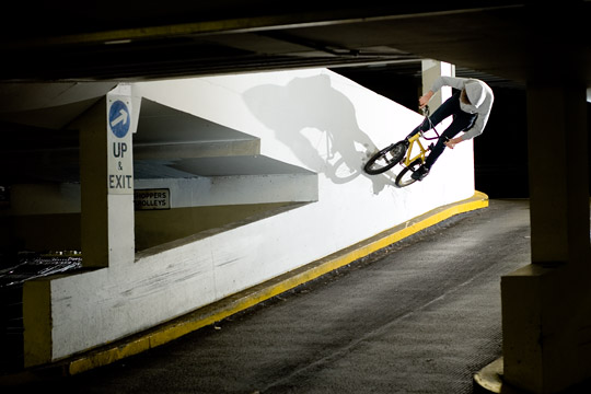 perpendicular wallride (up & exit)