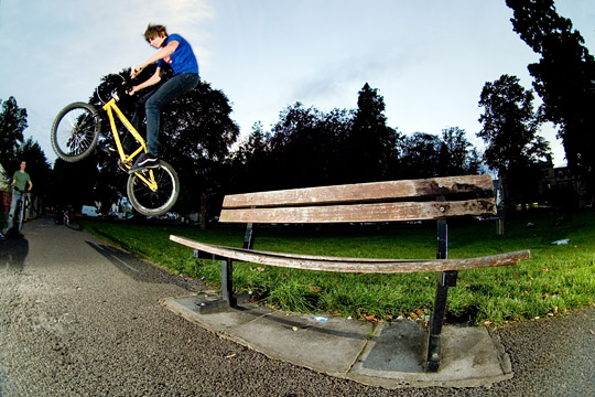 bench kicker, half turn